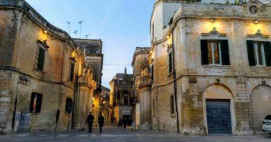 Lecce – atrakcje, zwiedzanie, mapa, restauracje, hotele, noclegi, parkingi. Przewodnik.
