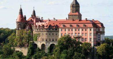 Zamek Książ, ogrody, tarasy, podziemia. Zwiedzanie, bilety, ciekawostki, mapa, noclegi